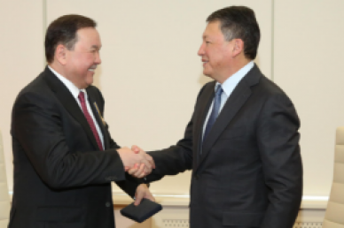 Timur Kulibayev awards first Business Ombudsman of Kazakhstan and congratulates new Business Ombudsman on his appointment